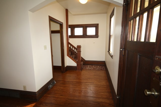 2621 Kingman Foyer