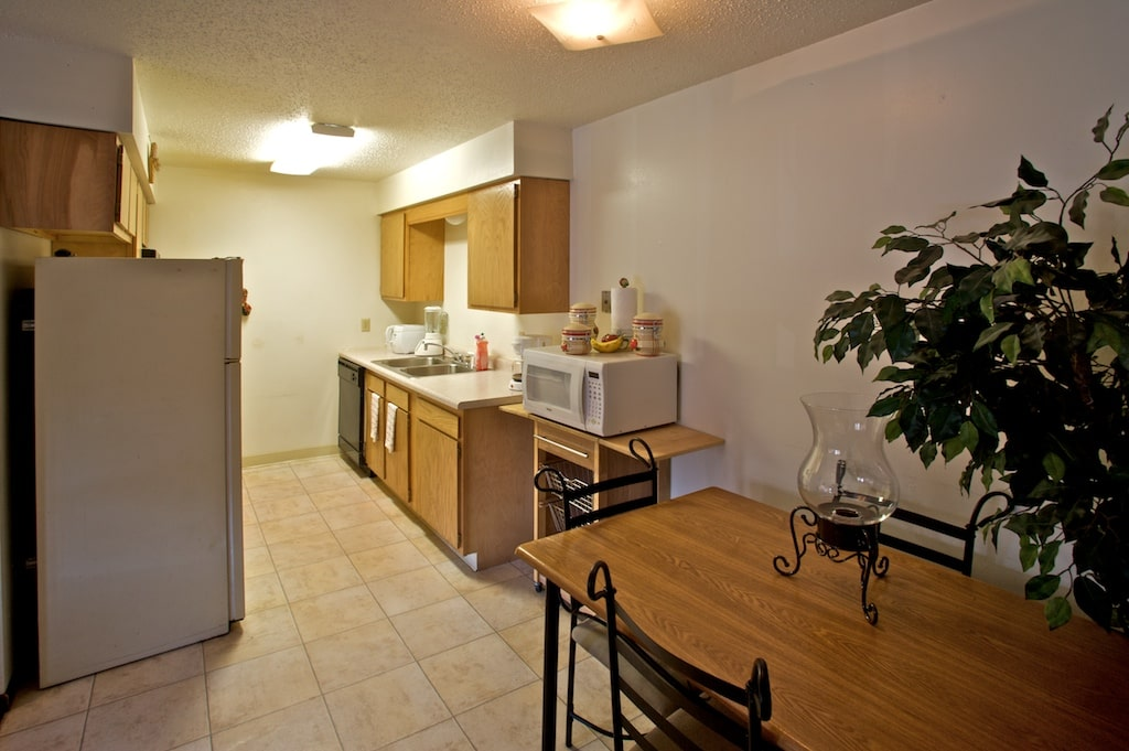 Olive Terrace Dining and kitchen area-