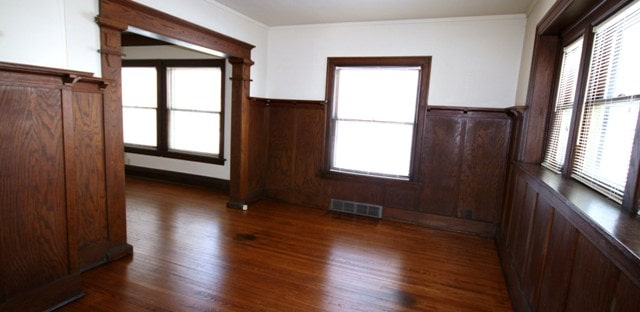 2621 Kingman dining room